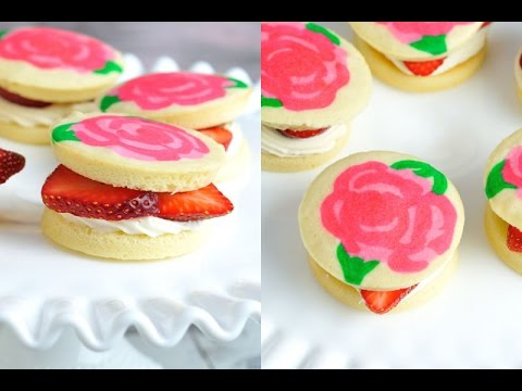 strawberry-shortcake-whoopie-pies-with-rose-pattern,-haniela's