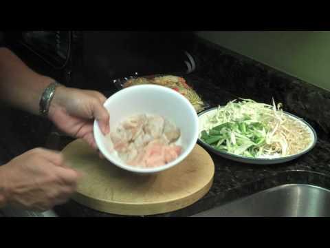 Taste of Asia @ Home Cantonese Chow Mein W Chicken & Shrimp Pt 1