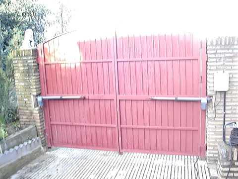 Puerta automatica abatible dos hojas mpg youtube - Puertas de dos hojas ...