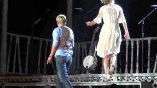 Taylor Swift and Ellen Degeneres Perform Our Song In Los Angeles - Full Video
