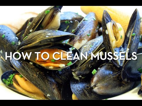 How To Clean Mussels (Seafood) Beards and Barnacles