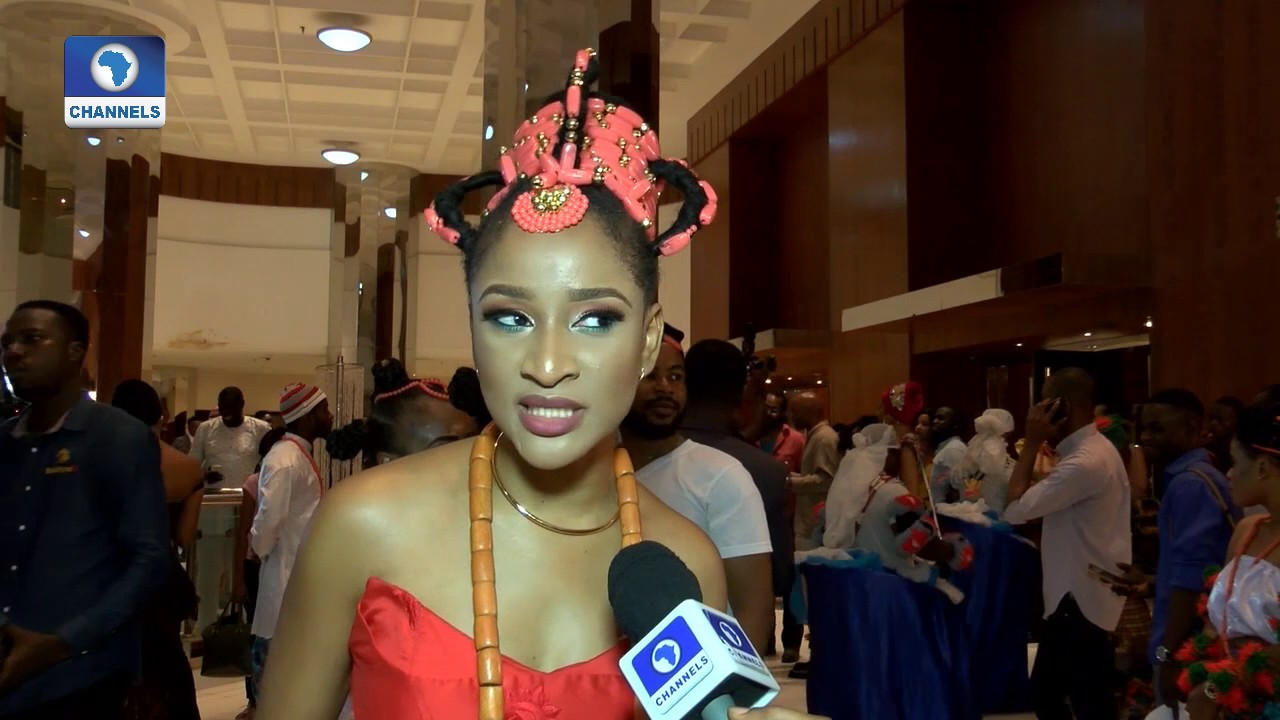 Download EN: Nollywood Stars Turn Out In Traditional Attires For 'AYAMMA' Premiere