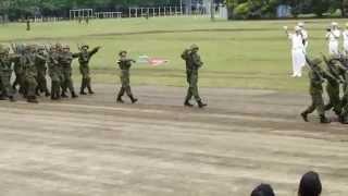 Repeat youtube video [20140525]陸上自衛隊武山駐屯地x02「観閲行進 【指揮官に敬礼!】~23min~」