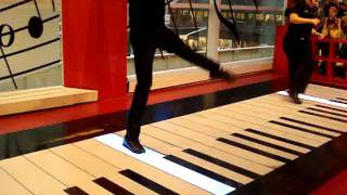 """Fur Elise"" on The Big Piano at FAO Schwarz"