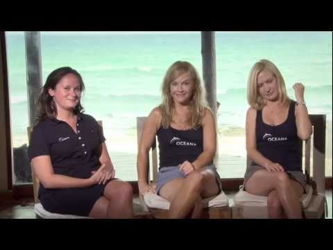 Rachael Harris and Angela Kinsey Swim with Sea Turtles: Behind the s