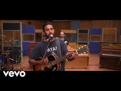 Himesh Patel, Lily James - I Want To Hold Your Hand (Tracks On The Tracks Sessions)