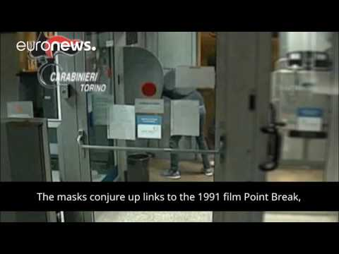 euronews (in English): Trump masks used in Italian cashpoint robbery