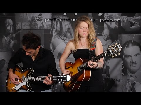 """Crystal Bowersox Performs """"A Broken Wing"""" From Her Album ALIVE"""