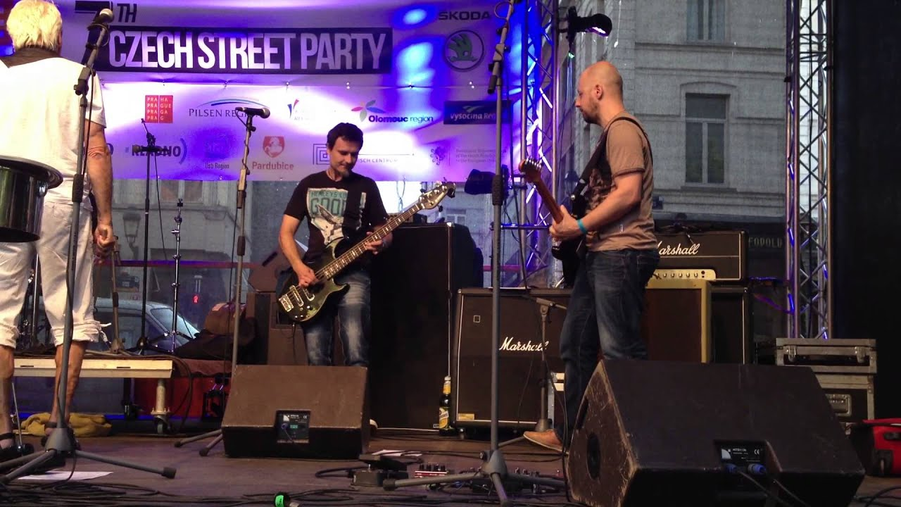Street party 2013, Brussel, Zuha live