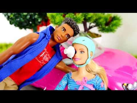 Игры для девочек: #БАРБИ попала в АВАРИЮ на велосипеде! Первая помощь для Барби на #Лайкландия