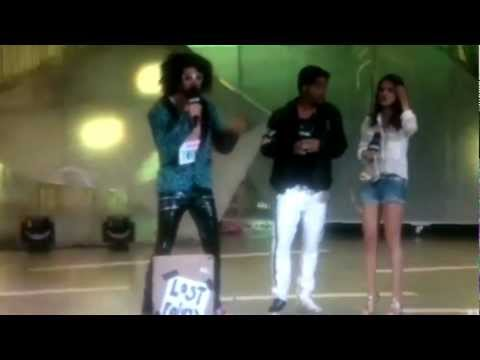 Selena Gomez Giving Tips to LMFAO on How to Host at the MMVA 2012 (17th June 2012)