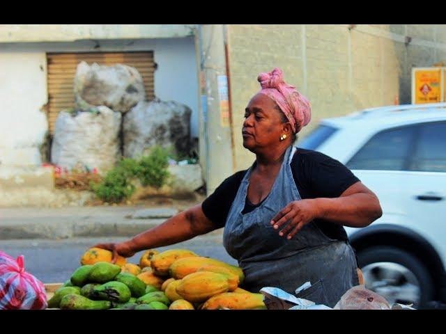María Acevedo Vásquez, vendedora de frutas y verduras.