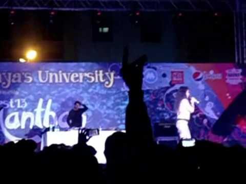 Neha Kakkar live Second Hand Jawaani Mp3