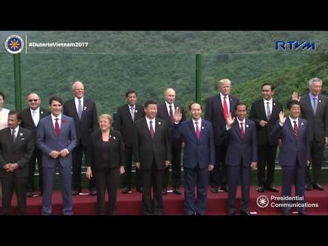 APEC Economic Leaders' Meeting (AELM) Family Photo 11/11/2017