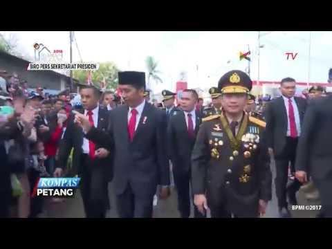 Jokowi Jalan Kaki