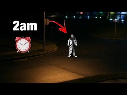 A STALKER KILLER CLOWN STANDS OUTSIDE MY HOUSE AT 2AM!