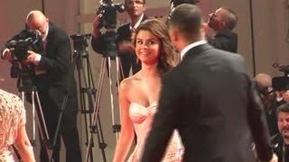 Is Single Selena Gomez Setting Her Sights On Older Men? - Splash News | Splash News TV