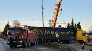 Megsüllyedt kamion műszaki mentése Gyöngyösfalu közelében