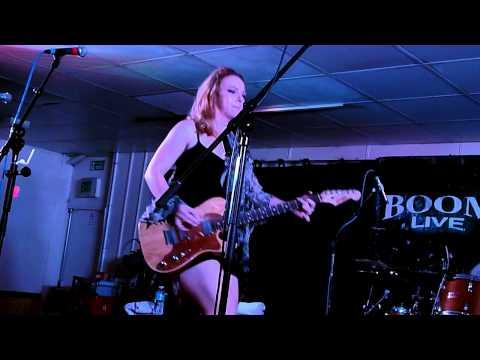 "Samantha Fish - ""Black Wind Howlin / War Pigs"" - Boom Boom Club, Sutton - 14/11/2014"