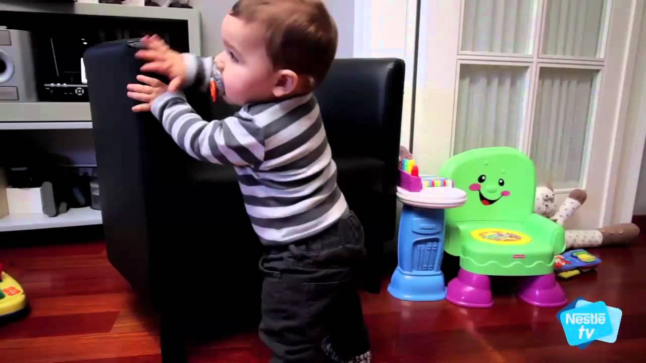 Beb de 8 meses el desarrollo f sico de 8 a 11 meses etapa 3 youtube - Que puede comer un bebe de 8 meses ...