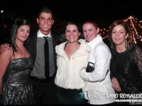 CRISTIANO RONALDO AND FAMILY NEW AND EXCLUSIVE PICTURES!!