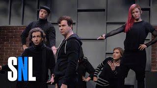 High School Theatre Show With Elizabeth Banks - SNL