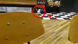 Meeuw steelt chips uit winkel | Brutale meeuw