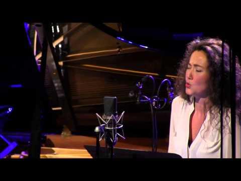 STEPHANIE D'OUSTRAC & PASCAL JOURDAN AU PIANO DANS L'EMISSION UN DIMANCHE IDEAL PRESENTE PAR ARIELE