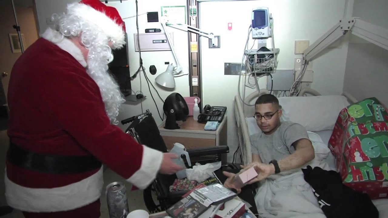 Holiday Mail for Heroes - Walter Reed Card Deliveries 2010 - YouTube