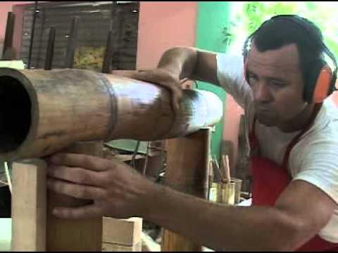 guillermo rodrguez artista cubano hace muebles con bamb en san jos de las lajascuba youtube