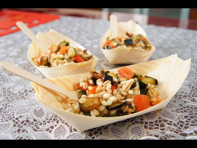 Ricette Orzo Vegetariano.Insalata Di Farro E Orzo Con Le Verdure Ricetta Vegetariana Youtube