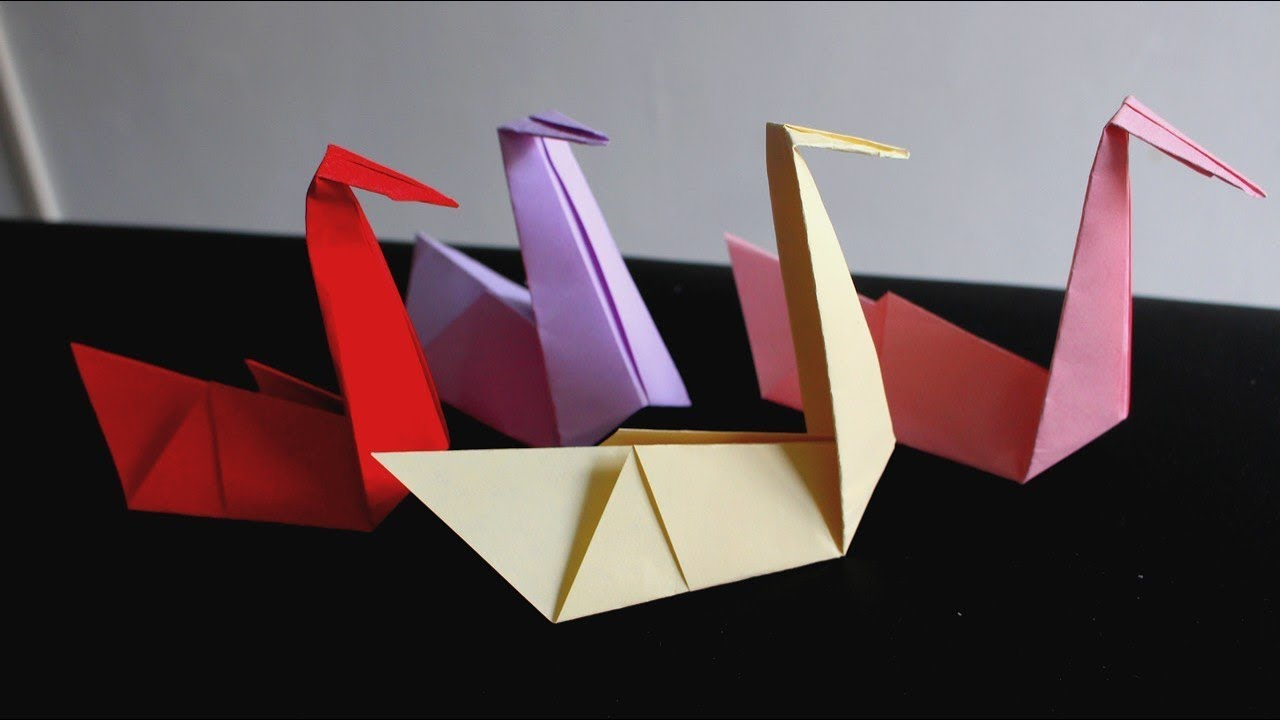 cygne en origami tr s facile youtube. Black Bedroom Furniture Sets. Home Design Ideas