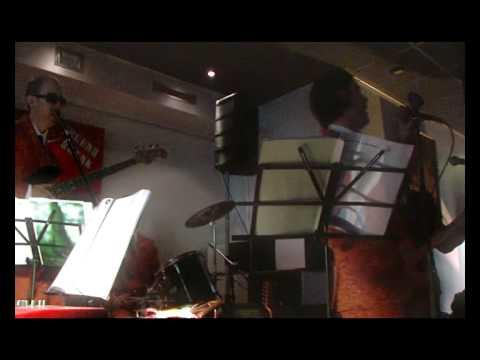Intro Onde Beat Live Interno 7 Treviso 2009 E Penso