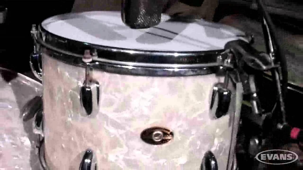 Jean-Paul Gaster Shows Us His Vintage Slingerland Kit - YouTube 68da476ca