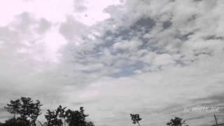 雨が降りそうな午前中は乱層雲。その上空には高積雲が隠れていました。 ...