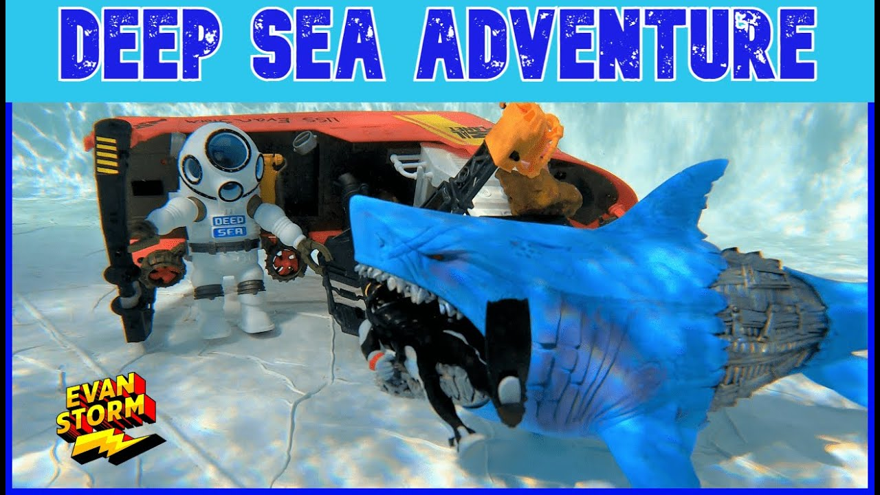 Pretend Play in the Pool Deep Sea Adventure Toy Boat Playset