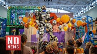 Робот рассказал детям о безопасности и экономии