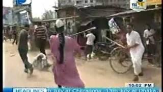 Bangladesh : Clash of Huzurs With Anti Hartal & Police In Hartal-Digonto TV-10- 07-2011