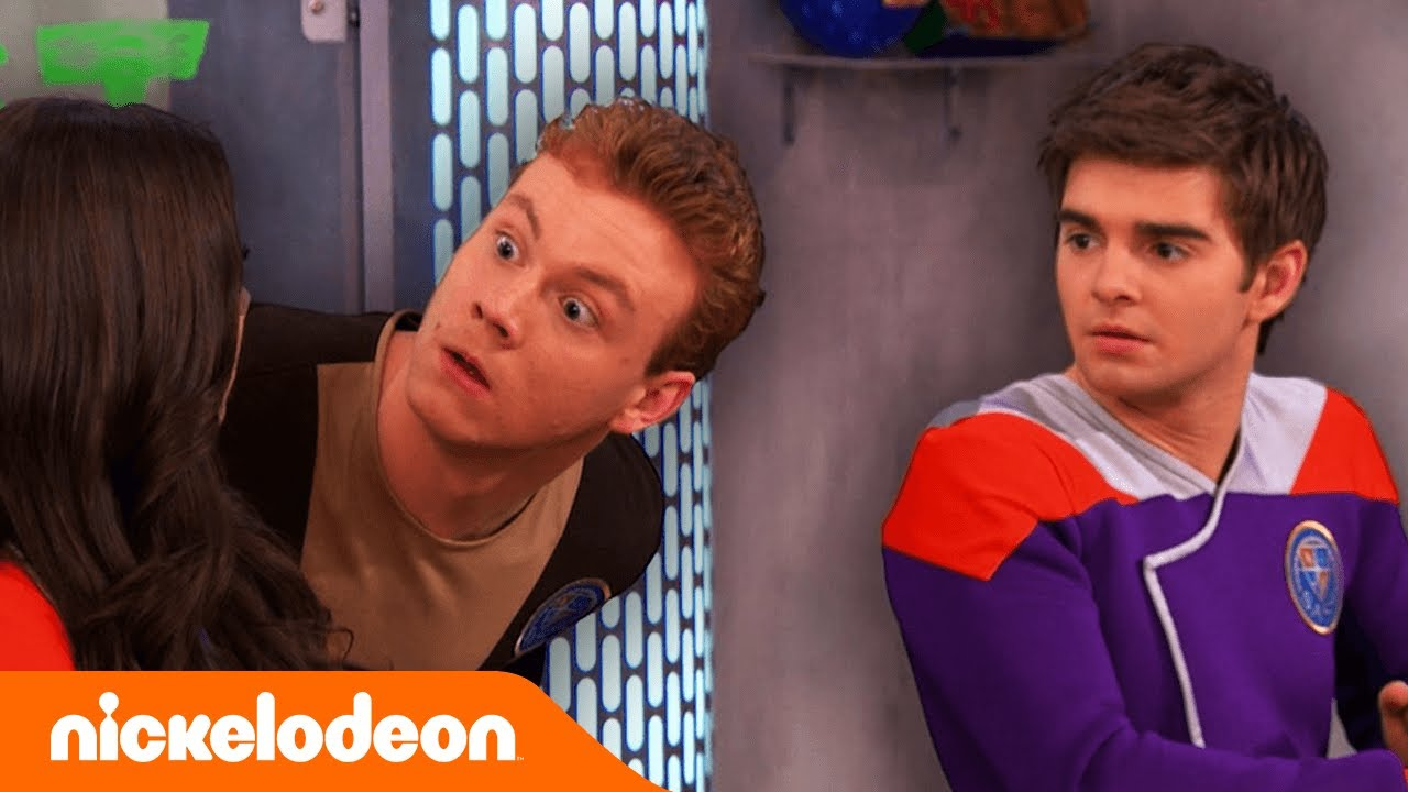 Los Thundermans | ¡Max y Phoebe van a la escuela de superhéroes! | Nickelodeon en Español
