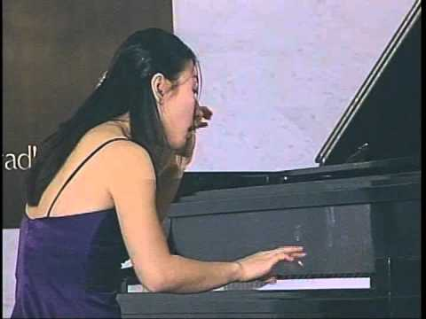 Pianist Soyeon Lee plays Mozart, Sonata in C major K 330, 1st Movement