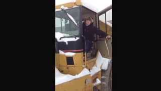 Caterpillar D350E Cold Start