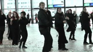 Shimmy Shake - Fusion Belly Dance Flash Mob @ Rotterdam Central Station