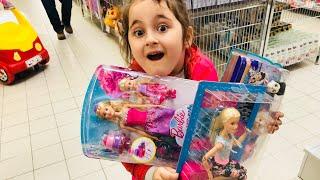Aslı Yaren Marketten Bir Sepet Dolusu Oyuncak Alışverişi Yaptı. Eğlenceli Çocuk Videosu