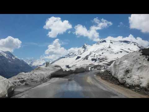 ROHTANG PASS IN MANALI Himachal Pradesh
