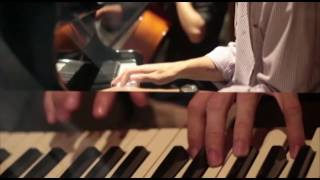 Descero - No Es Más (Vídeo Lyrics Oficial)