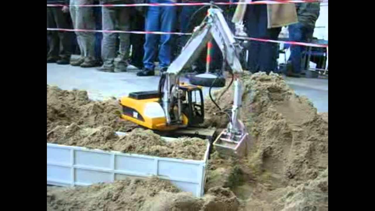 R/C Cat 318 Mobile Digger - RC Construction Equipment ...