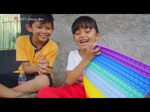 Download DAPAT SEPEDA DAN MAINAN POP IT BARU DARI SPIDOL AJAIB | Princess Rara