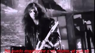 Tema interpretado por grupo musical de Hard rock formado en Los Áng...