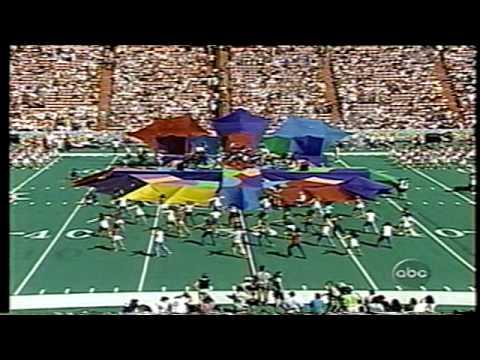 Russ Miller w/Jennifer Love Hewitt at Pro-Bowl Halftime