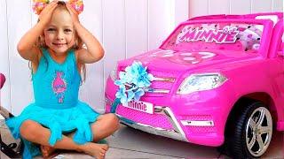 Майя и ее игрушечная машина